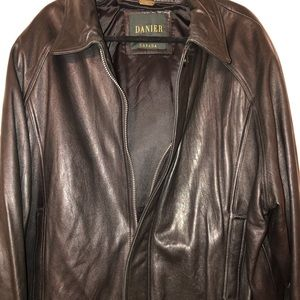 💎EXTREME SALE! Danier XL Leather Jacket
